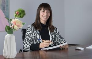 Portrait Dr.in Stefanie Süßenbacher-Kessler